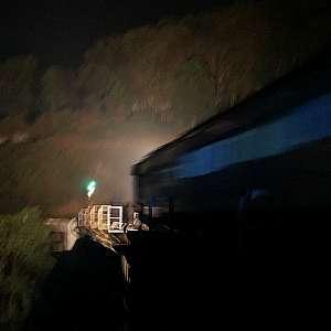 Kereta Api di Jembatan Cikubang Purwakarta